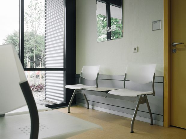 Ahrend 460 Bench - Picture 4