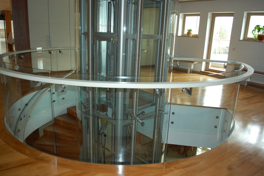 Staircases and balustrades - Picture 7