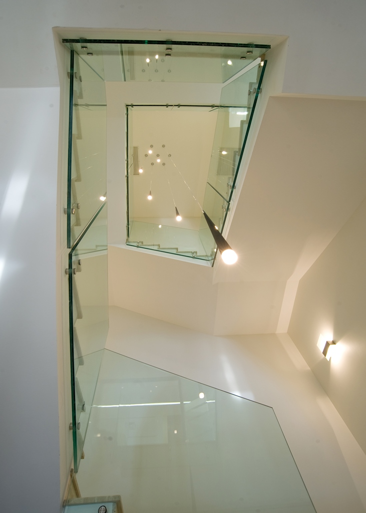 Staircases and balustrades - Picture 9