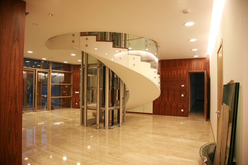 Staircases and balustrades - Picture 13