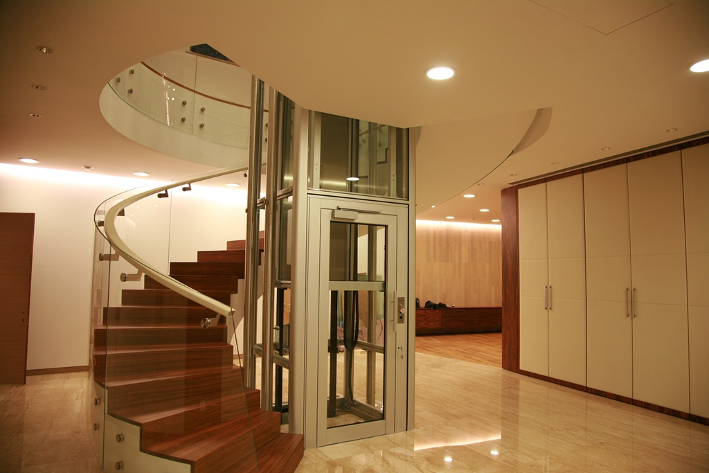 Staircases and balustrades - Picture 14