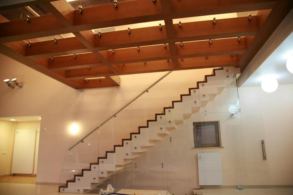Staircases and balustrades - Picture 18